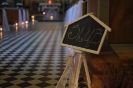 Ceremonia detal ślubny w kościele