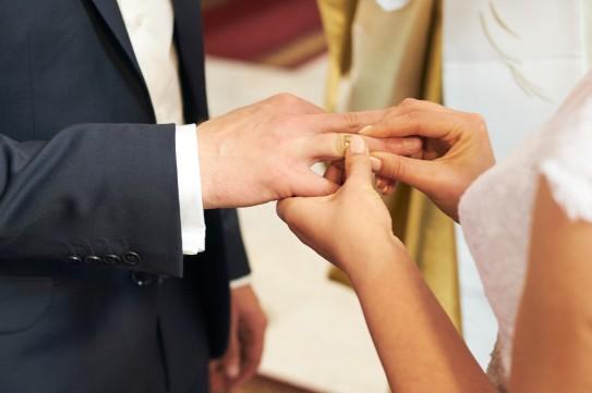 Ceremonia nakładanie obrączek