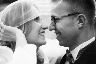 Plener ślubny hipnotyzujące spojrzenia w B&W