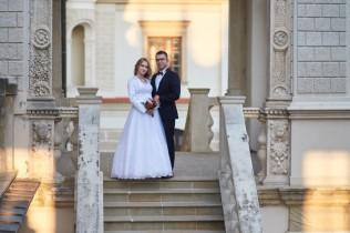 Plener ślubny i zamek Krasiczyn na schodach
