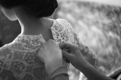 Przygotowania detale sukienki Panny Młodej