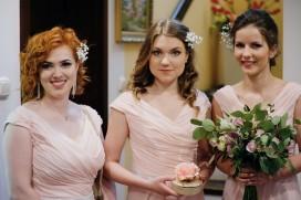Przygotowania piękne dróżki weselne w domu Pani Młodej