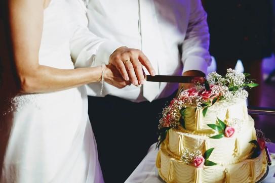 Wesele krojenie tortu detale