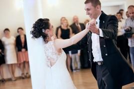 Wesele pierwszy taniec szczęście młodej pary