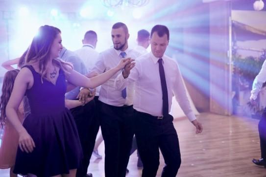 Wesele taniec belgijka i dobra zabawa gości weselnych
