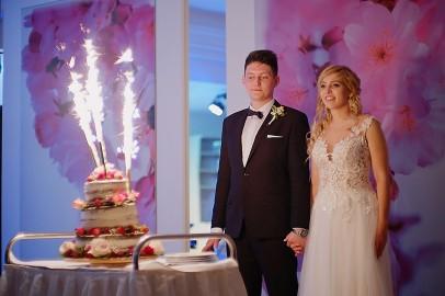 Wesele tort weselny i sztuczne ognie