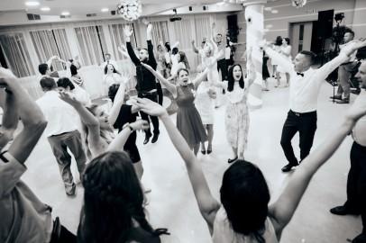 Zabawa i fantastyczny taniec gości